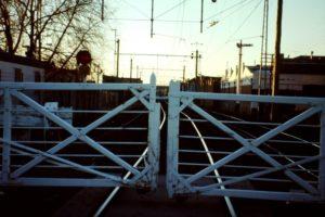 Bahnübergang, Gatter weiss